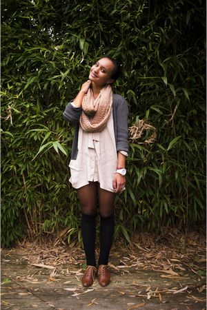 pink scarf - beige dress - black socks - gray cardigan