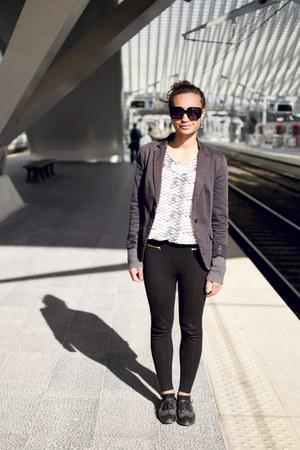leggings - blazer - blouse