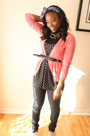 Uniqlo jeans - black Forever 21 top - salmon Primark cardigan