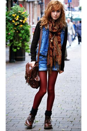 red Primark tights - brown Dr Martens boots - blue Topshop vest - brown some web