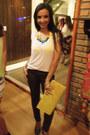 Yellow-coisas-de-amiga-purse-blue-coisas-de-amiga-necklace