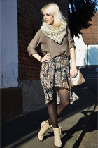 Zara skirt - cream Zara shoes - tan H&M sweater - off white Zara scarf