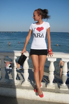 Zara t-shirt - H&M skirt - Stradivarious shoes - Ledy Collection accessories - p