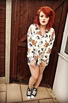 ivory floral print thrifted shirt - black converse style new look shoes