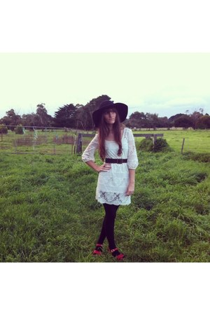 white lace Ladakh dress - wool felt Kmart hat