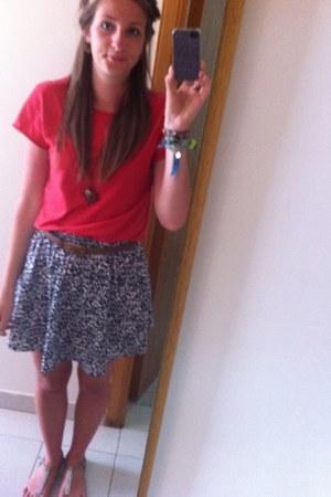 blue skirt - red mens t-shirt t-shirt - heather gray sandals