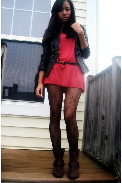 brick red shirt - brown boots - black jacket - black belt