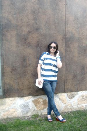 H&amp;M accessories - H&amp;M t-shirt - Stradivarius jeans - Ray Ban glasses - Lefties s