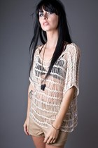 Beige Shredded Beige Telltale Hearts Tops