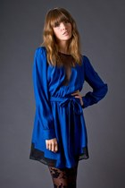 Blue-silk-blue-funktional-dress