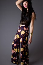Black-telltale-hearts-vintage-pants