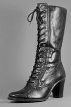 Black-telltale-hearts-vintage-boots