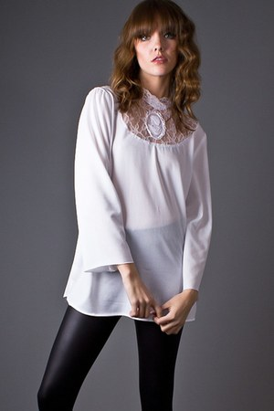 white lace cameo telltale hearts vintage blouse
