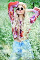 thrifted vintage jeans - thrifted vintage scarf - thrifted vintage sunglasses -