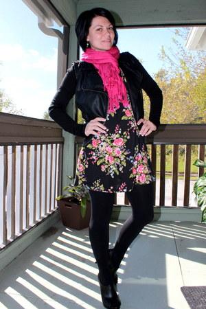 Targett scarf - bealls dress - Forever 21 jacket - Express tights
