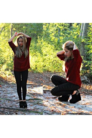 brick red Forever 21 sweater - black Forever 21 leggings