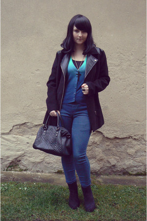 black H&M coat - blue high waist thrifted jeans - black New Yorker bag