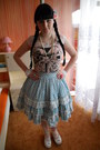 Peach-lindex-tights-white-bodyline-shoes-sky-blue-bodyline-skirt