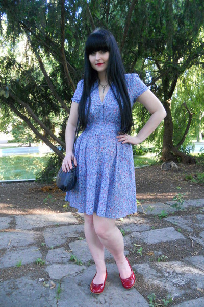 red Deichmann flats - sky blue H&M dress - navy vintage bag