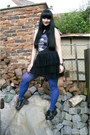 Black-thrifted-boots-black-offbrand-dress-blue-new-yorker-tights
