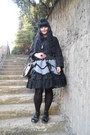 Black-gate-tights-black-bodyline-bag-silver-fan-plus-friend-skirt