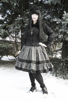 black thrifted boots - black Gate tights - black Bodyline blouse