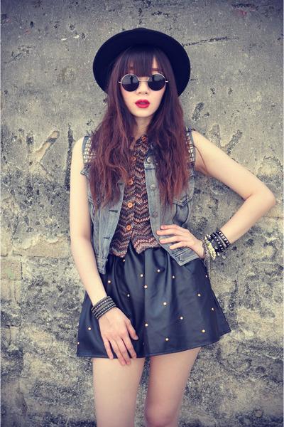 leather skirt - Forever 21 hat - shirt - round sunglasses