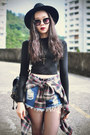 Chicwish-bag-younghungryfree-shorts-oasap-sunglasses