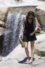 Black-c-c-dress-tan-forever-21-hat-black-toms-sunglasses