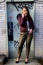 Purple-burgundy-neo-noir-jacket-gold-loose-vero-moda-pants
