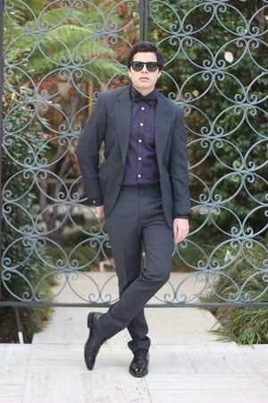 Hugo Boss shoes - Oscar de la Renta blazer - Topman shirt - Persol sunglasses