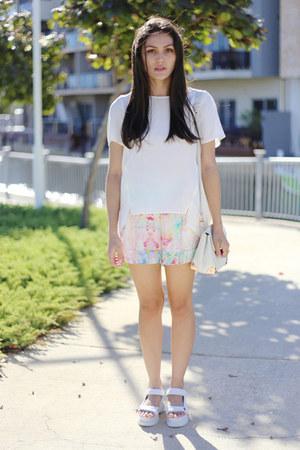 white mosaic floral Talulah The Label shorts - ivory silk Veronika Maine top