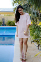 gold transparent Niclaire bag - light pink nova scuba Missguided dress