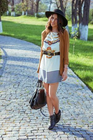 Zara dress - stone creek boots - Zara hair accessory