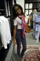 white Forever 21 top - navy Guess jeans - red thrifted scarf - black Steve Madde