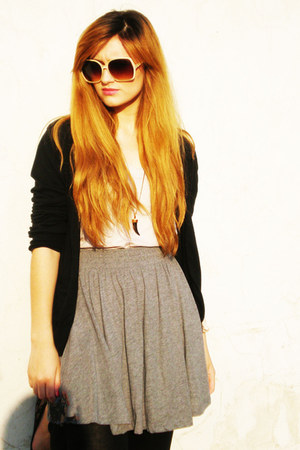heather gray H&M skirt - black Bershka leggings - neutral H&M sunglasses