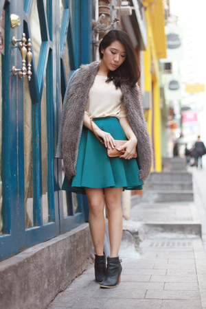 teal H&M skirt