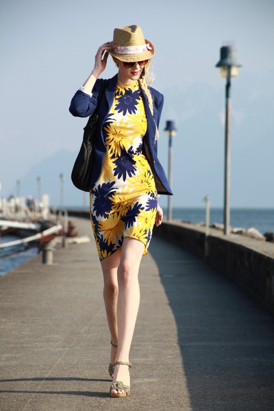 blue H&amp;M blazer - 1970 floral vintage dress - zebra hat - iam bag
