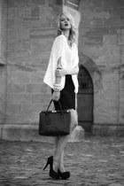 faux-snake Primark bag - faux-snake Lindsay Lohan skirt