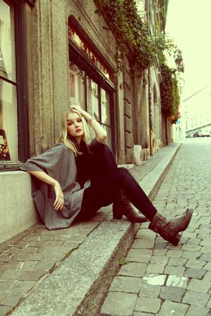 low Dosenbach boots - black H&M leggings - grey H&M cape