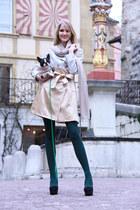 silver Miss Gueule dAnge coat - green deep green avant-première tights