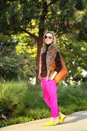 brown Love Token vest - yellow Ivanka Trump shoes - dark brown Hang Ten sweater