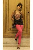 black Haute Heritage top - hot pink Zara jeans - black Zara heels