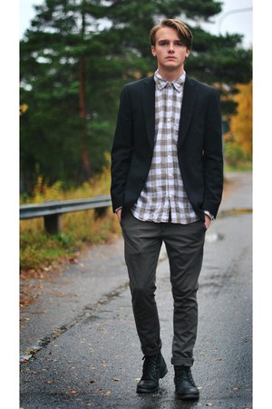 Blck blazer - Gap shirt - Zara pants