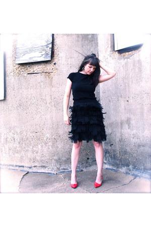 silk feathers Jon skirt - cotton sweater Gap sweater - vintage Proxy heels