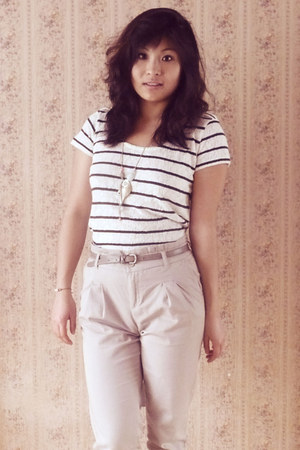 white Kookai top - beige camaieu pants - tan leather camaieu belt