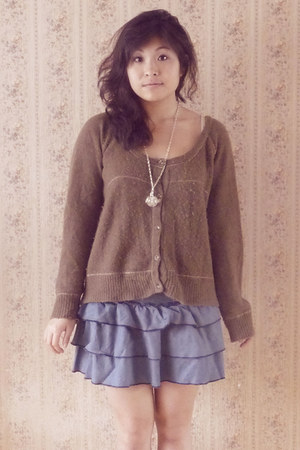 off white Nina Ricci necklace - navy camaieu skirt - tan wool Kookai cardigan
