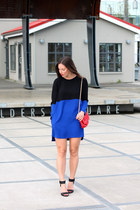 blue color blocked Zara dress - red Mary Nichols bag - black H&M heels