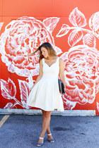 white feminine Obakki dress - navy clutch vintage bag