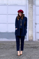 navy knit Old Navy sweater - maroon beret American Apparel hat